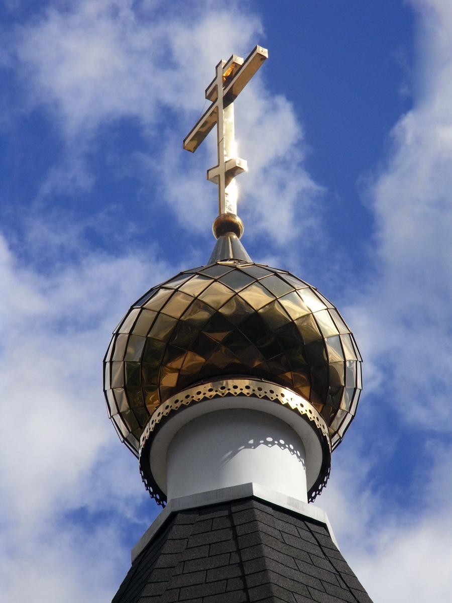 Крест на куполе